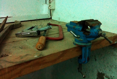 carpenter's bench vice & other tools