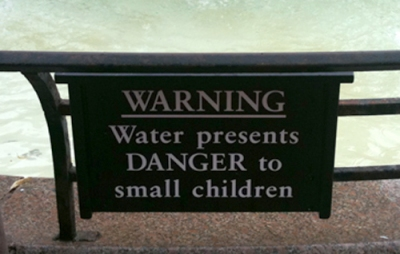 Sign: water presents DANGER to small children