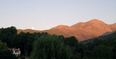 moon set over Gredos