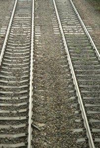 converging railway tracks