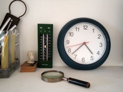 clock, thermometer, magnifying glass...