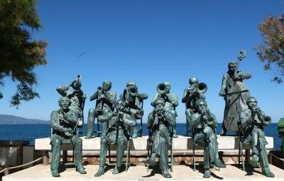 Monument l'Escala, Catalonia, Cobla musicians