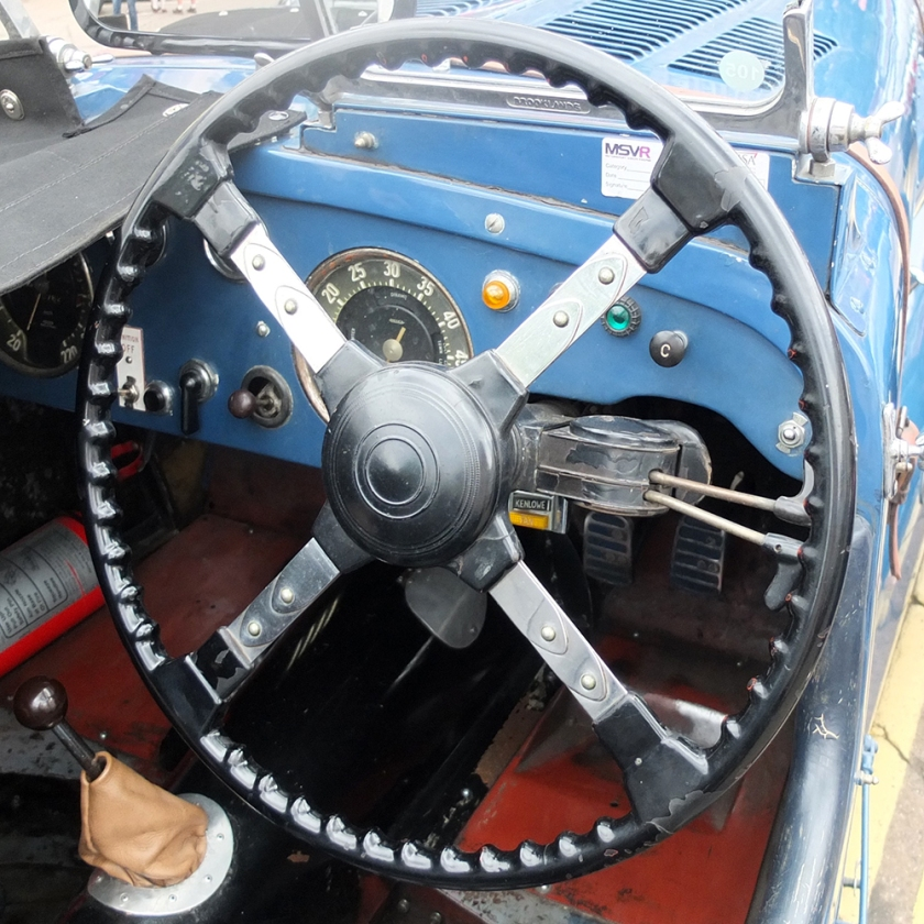 classic car steering wheel