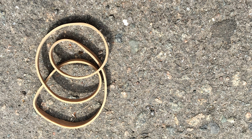 curled elastic band