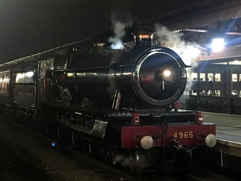 Steam locomotive No. 4965 Rood Ashton Hall
