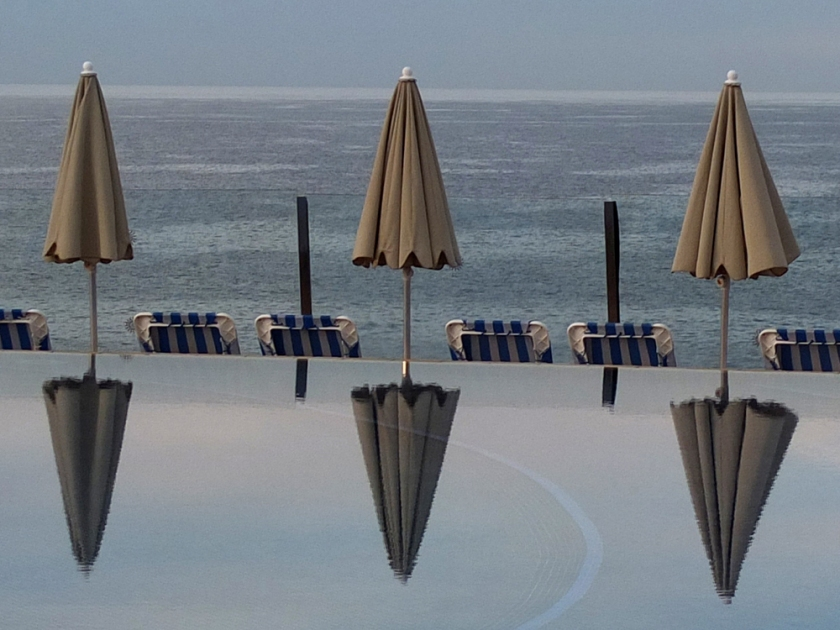 parasols, pool, sea, sky