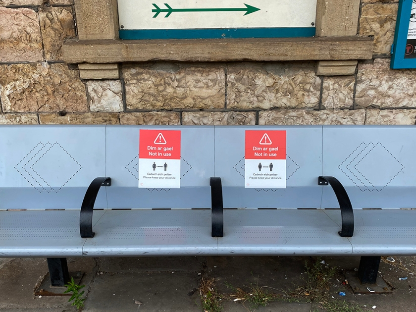 social distance platform seating