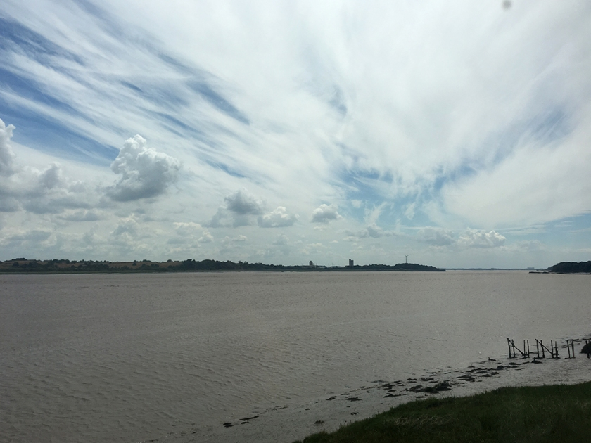 Looking downstream. Severn River. Severn Estuary